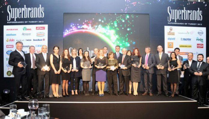 Türkiye'nin en değerli ve en sevilen markalarından biri haline gelen Kahve Dünyası, Superbrands Türkiye tarafından ödüllendirilen markalardan biri oldu.